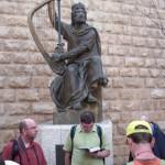 Michal číta Písmo v Jeruzaleme