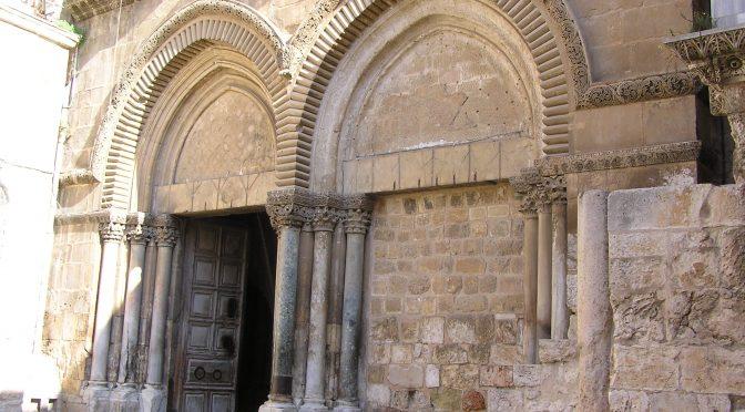 Otváranie brány Baziliky Svätého hrobu